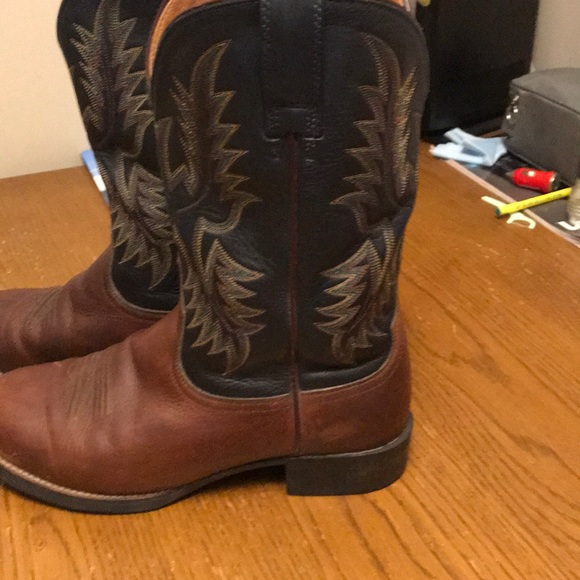 Sz8 (40.5W) ariat western boots